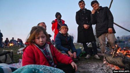 Türkiyə-Yunanıstan sərhədində miqrantlarla toqquşmalar davam edir