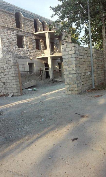 İcra başçısı YAP-ın qərargahının yerində villa tikib -