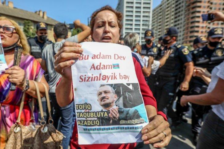 Tofiq Yaqublunun azadlıqdan məhrum edilməsinə görə etiraz aksiyası -