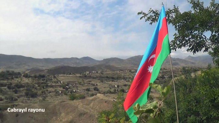 Cəbrayılın mərkəzində Azərbaycan bayrağı belə qaldırıldı -