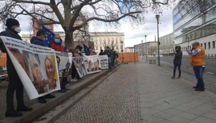 Azərbaycanlı mühacirlər Berlində etiraz aksiyası keçiriblər