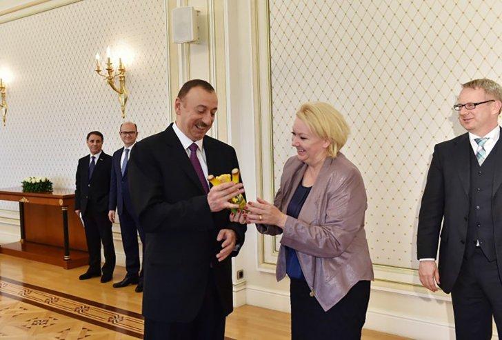 Azərbaycanla bağlı korrupsiyada adı hallanan deputat vəfat edib