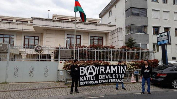Azərbaycanın İstanbuldakı konsulluğu qarşısında
