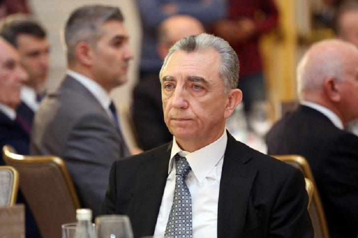 Eldar Əzizov tenderləri necə silir? - 6 milyonluq müqavilə